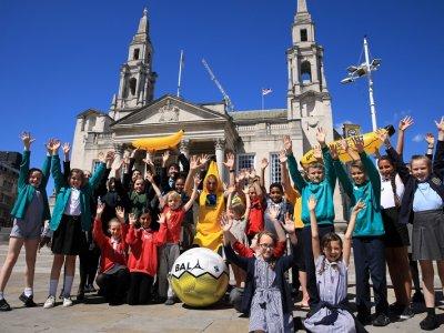 Leeds DEC - Hands up